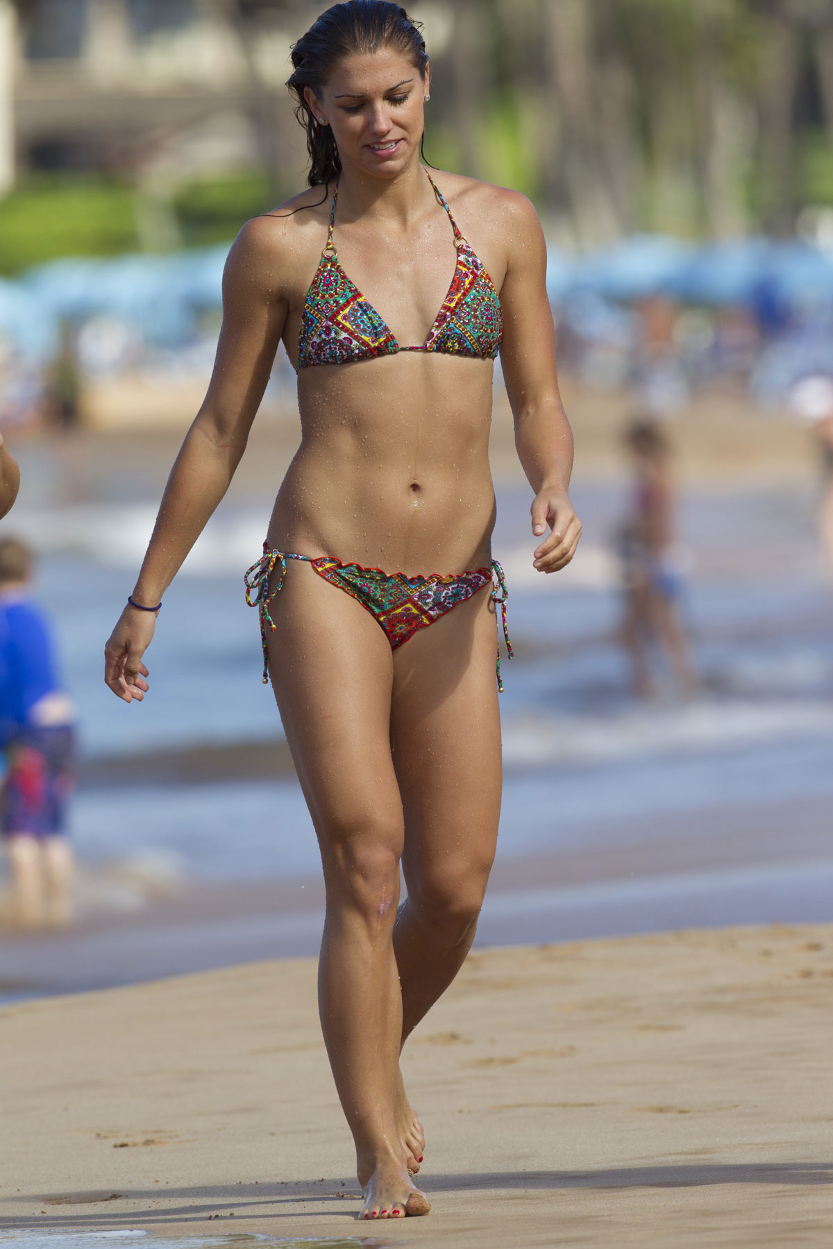 Alex Morgan In Bikini On The Beach In Miami Hawtcelebs