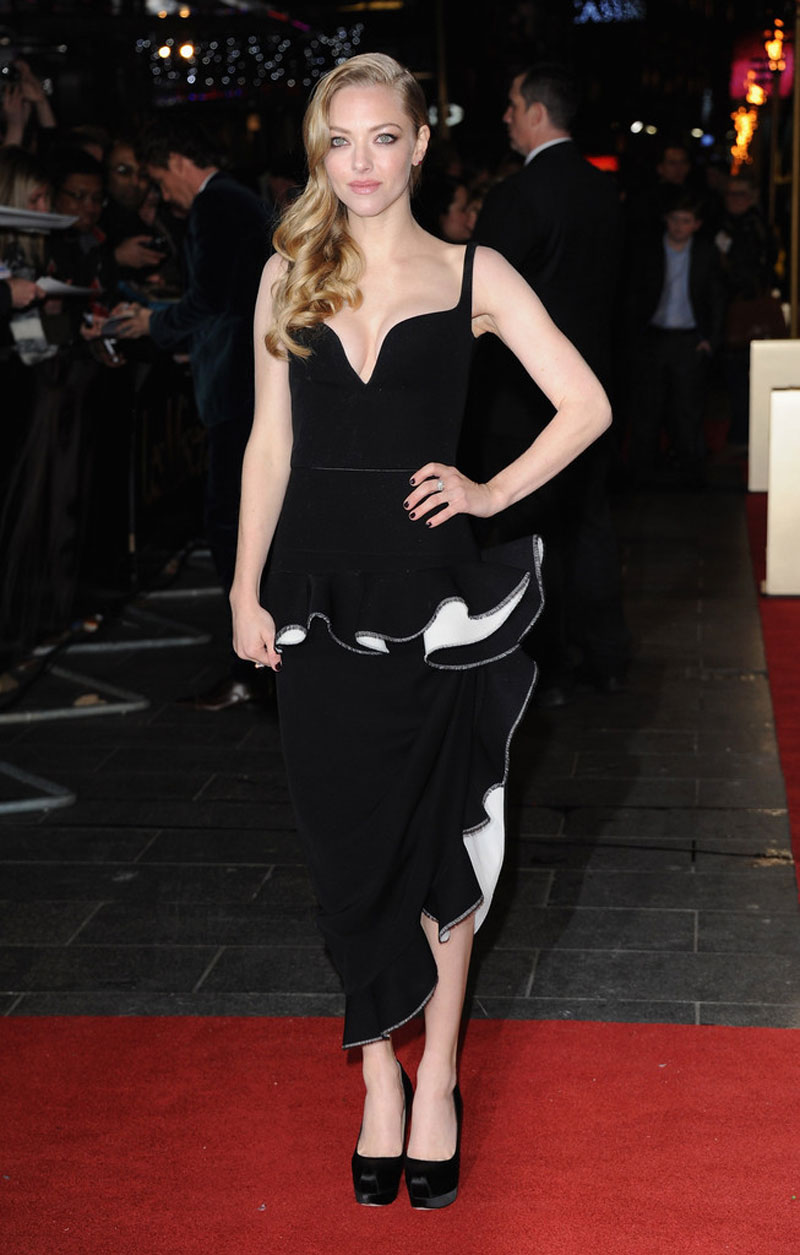 AMANDA SEYFRIED at Les Miserables Premiere in London ...