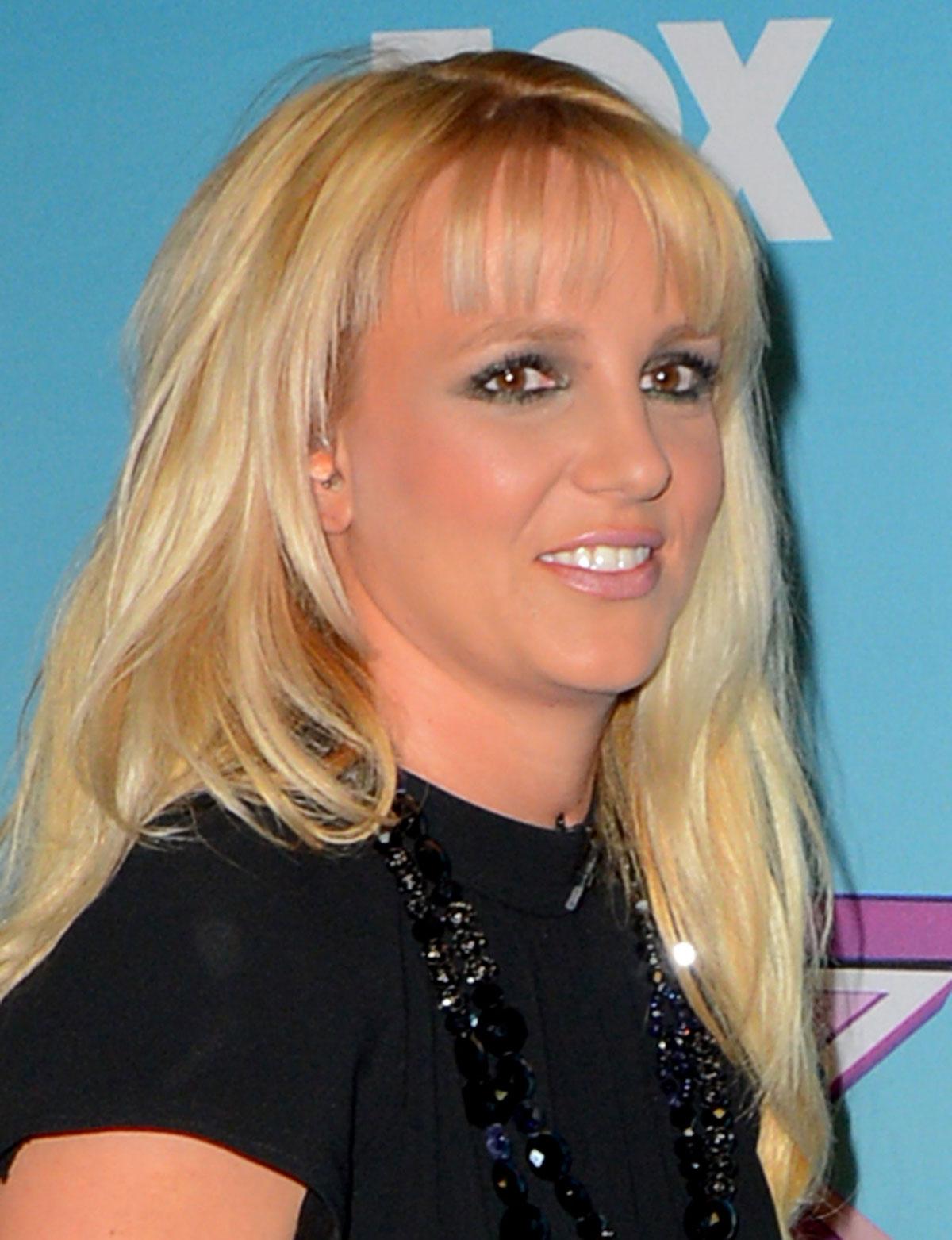 Britney Spears - The X Factor Season Finale -08 | GotCeleb