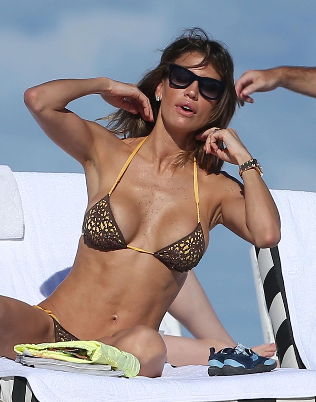 Paparazzi Claudia Galanti nudes (89 photo), Tits, Cleavage, Boobs, underwear 2020