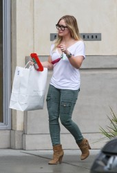 Hilary Duff Leaving The Pottery Barn In Beverly Hills
