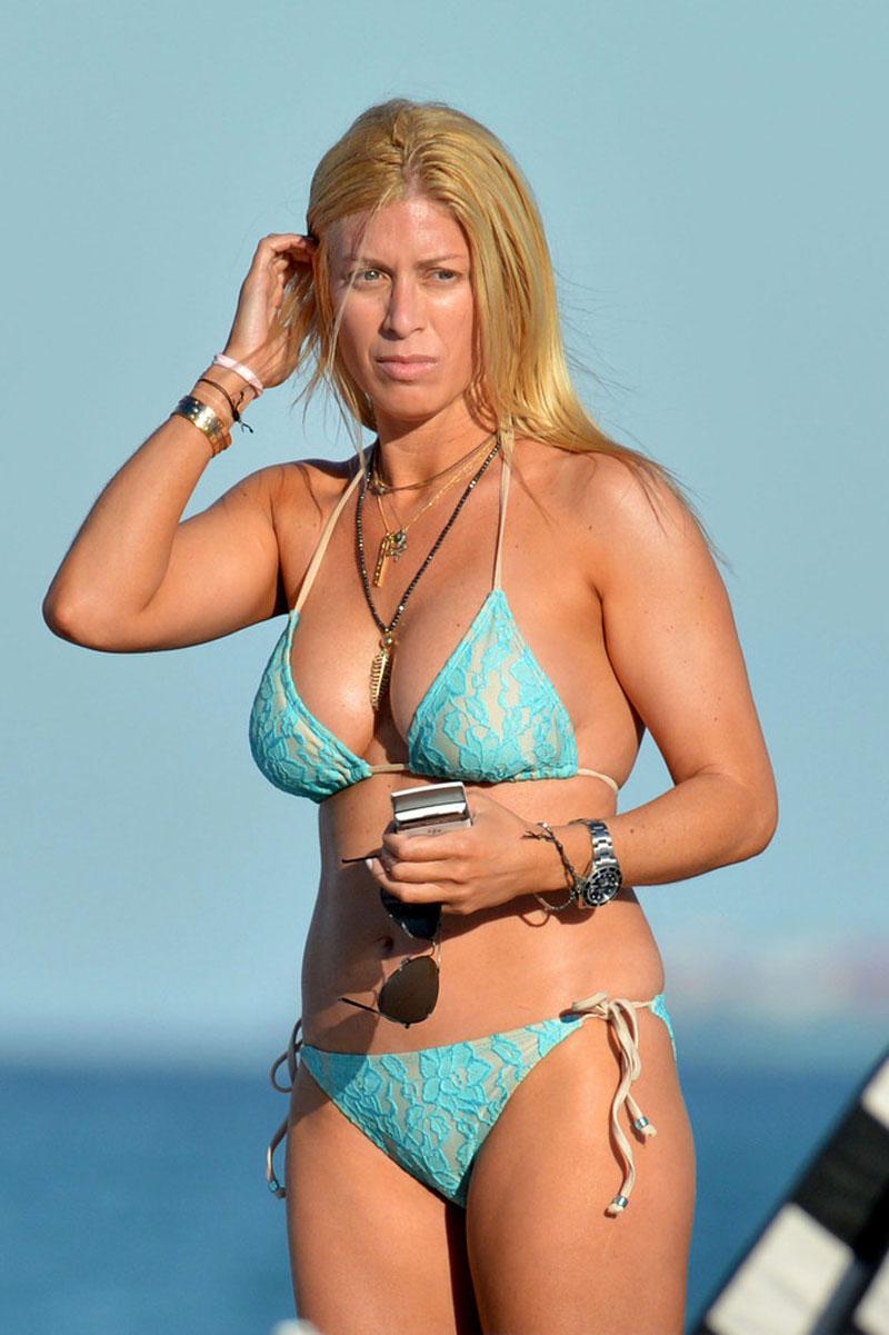 Kellie martin bikini pictures