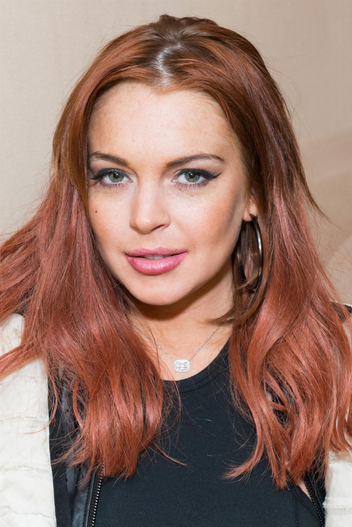 LINDSAY LOHAN ay Organice Your Life Holiday Party in New ...
