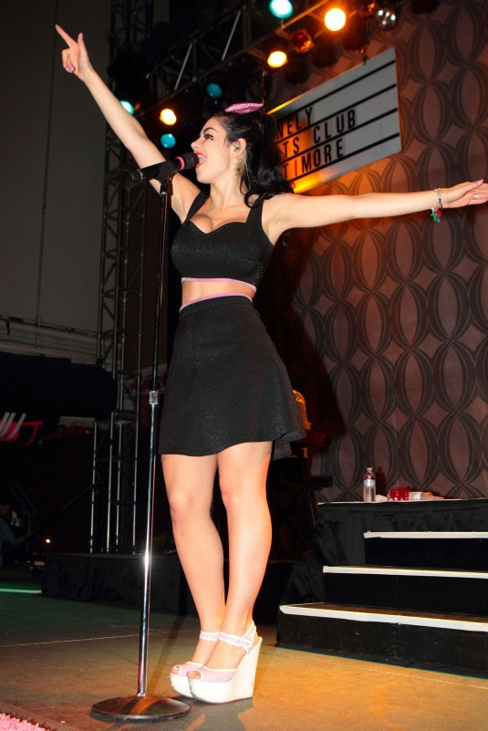 MARINA DIAMANDIS Performs at The Rams Head