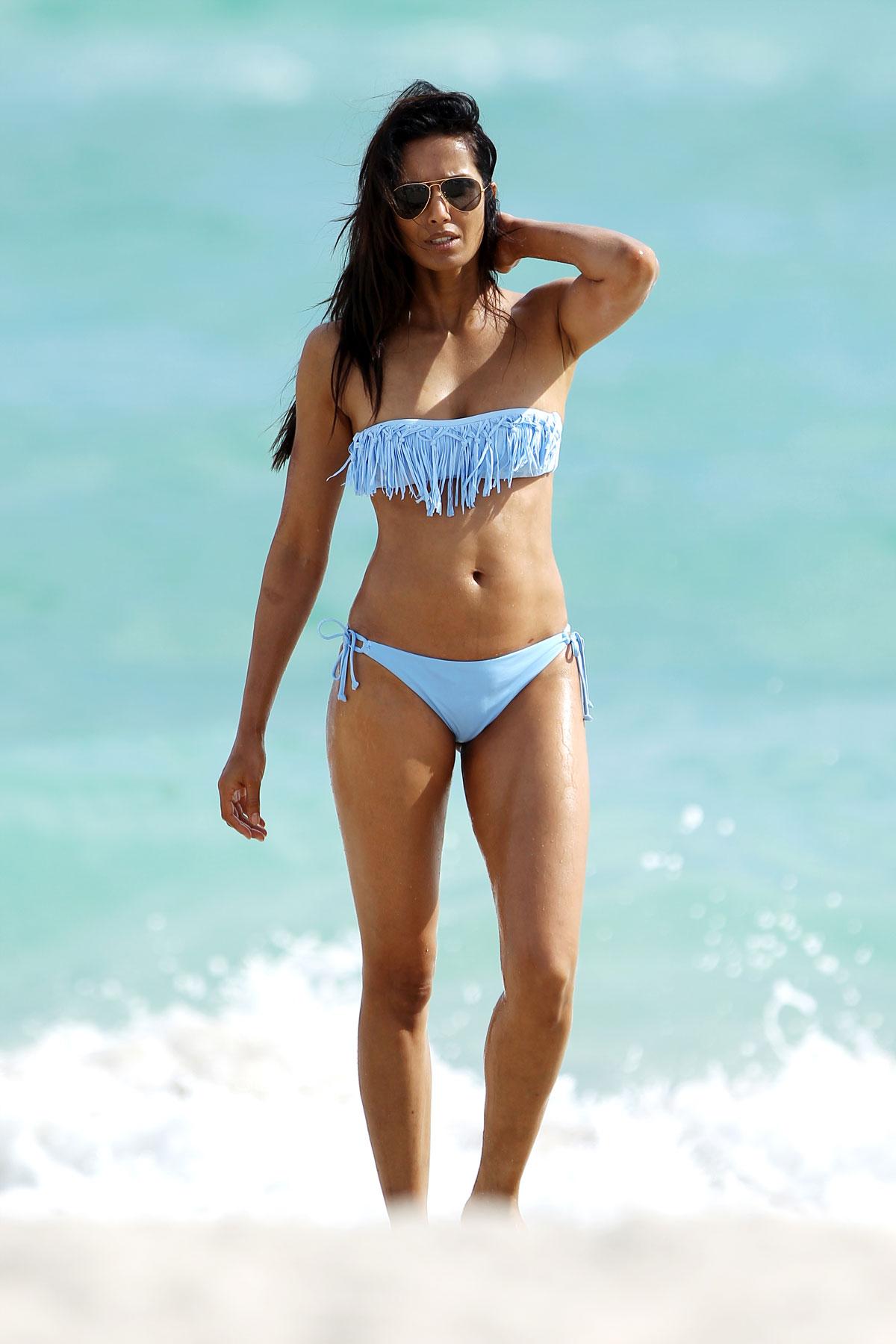 padma lakshmi in bikini on the beach in miami   hawtcelebs