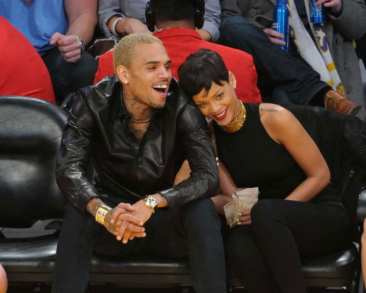 RIHANNA and Chris Brown at New York Knicks vs Los Angeles ...