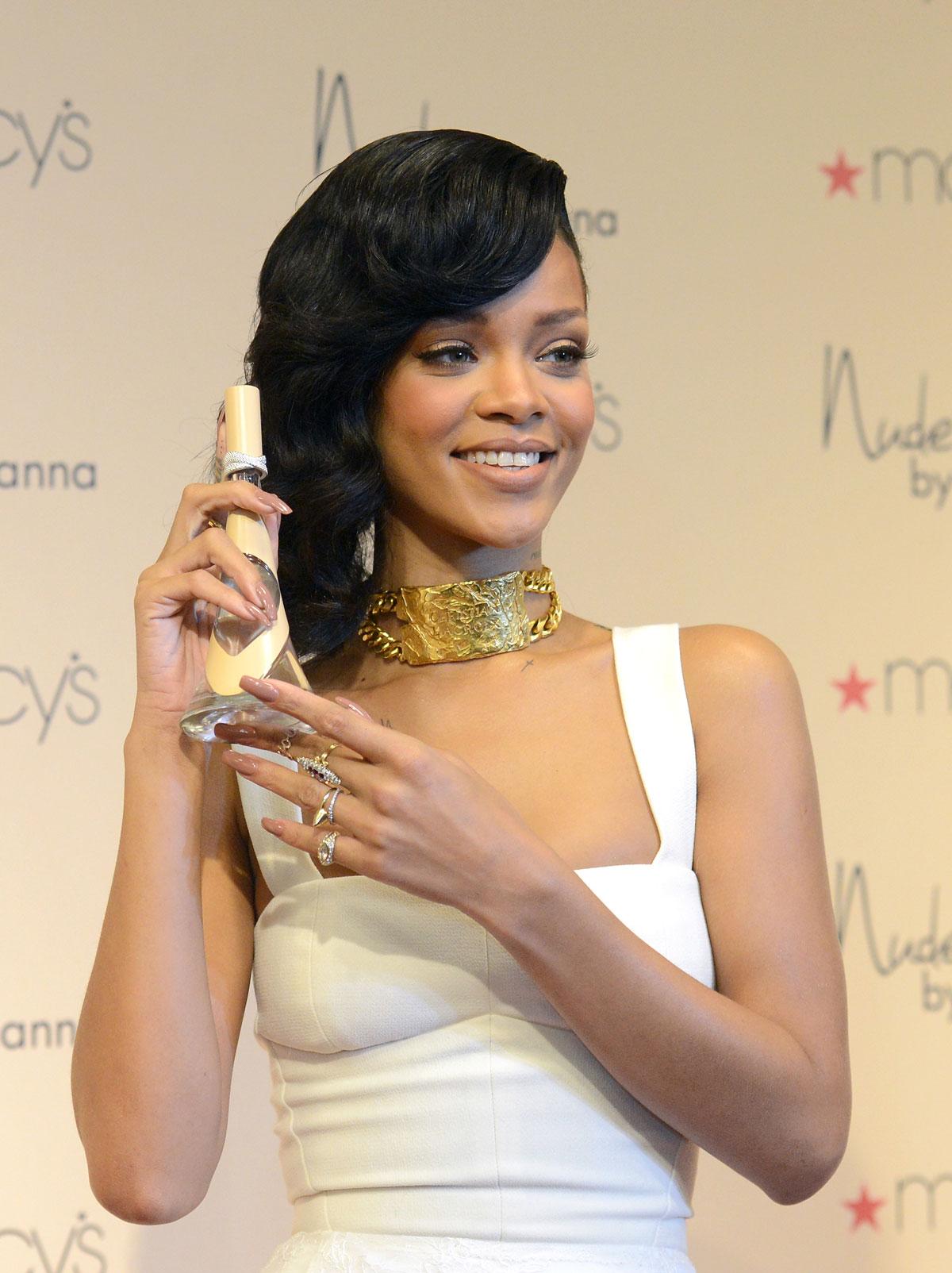 Nude Rihanna 120
