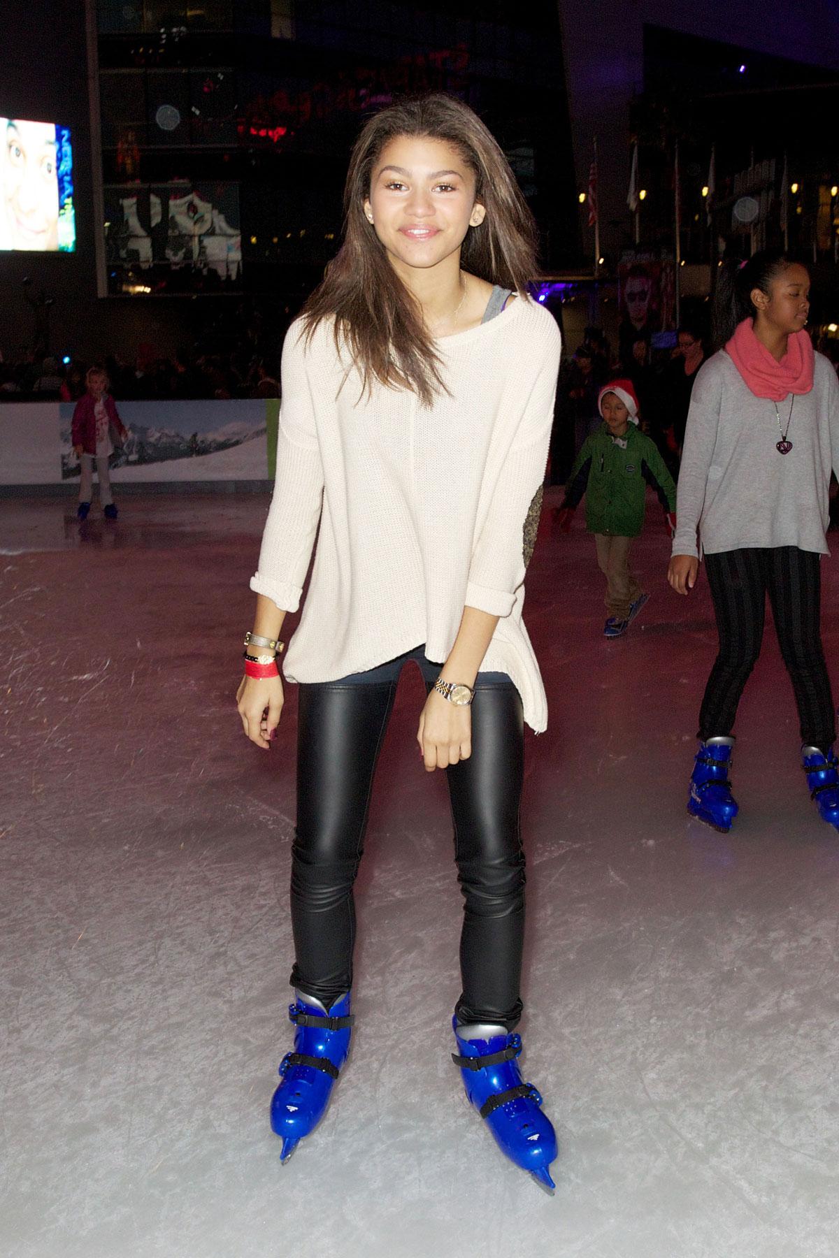 Roller skating kendall - Zendaya Coleman