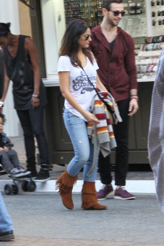 EMMANUELLE CHRIQUI in Tight Jeans