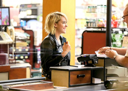 JENA MALONE Shopping in Los Angeles