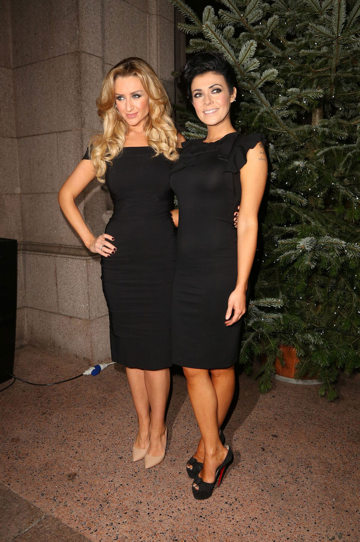 Coronation Streets Catherine Tyldesley dons daring cutout
