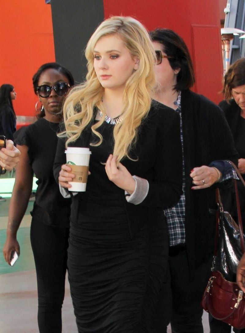 ABIGAIL BRESLIN on the Set of Extra in Universal City