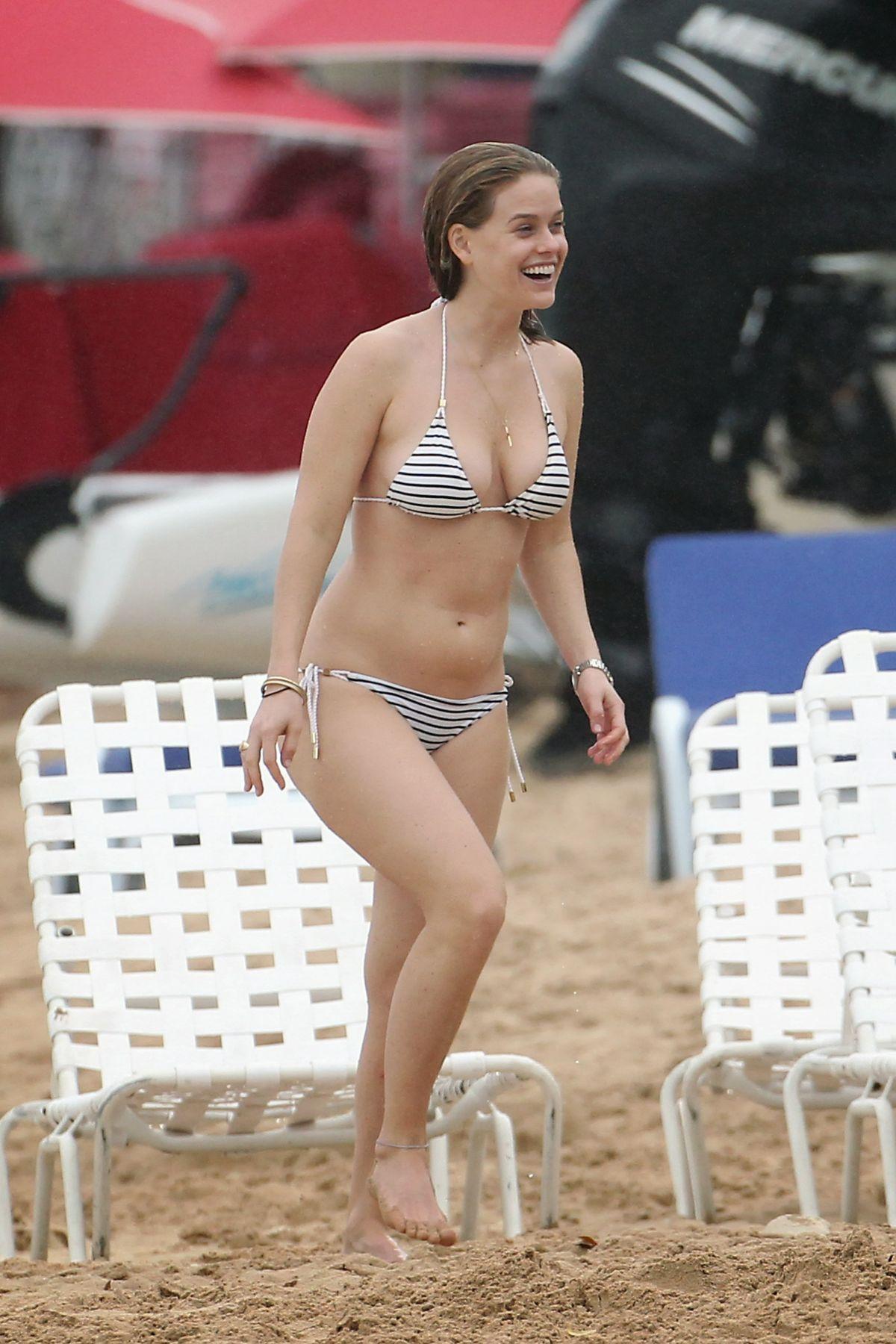 Alice Eve Candid Bikini Beach Pics