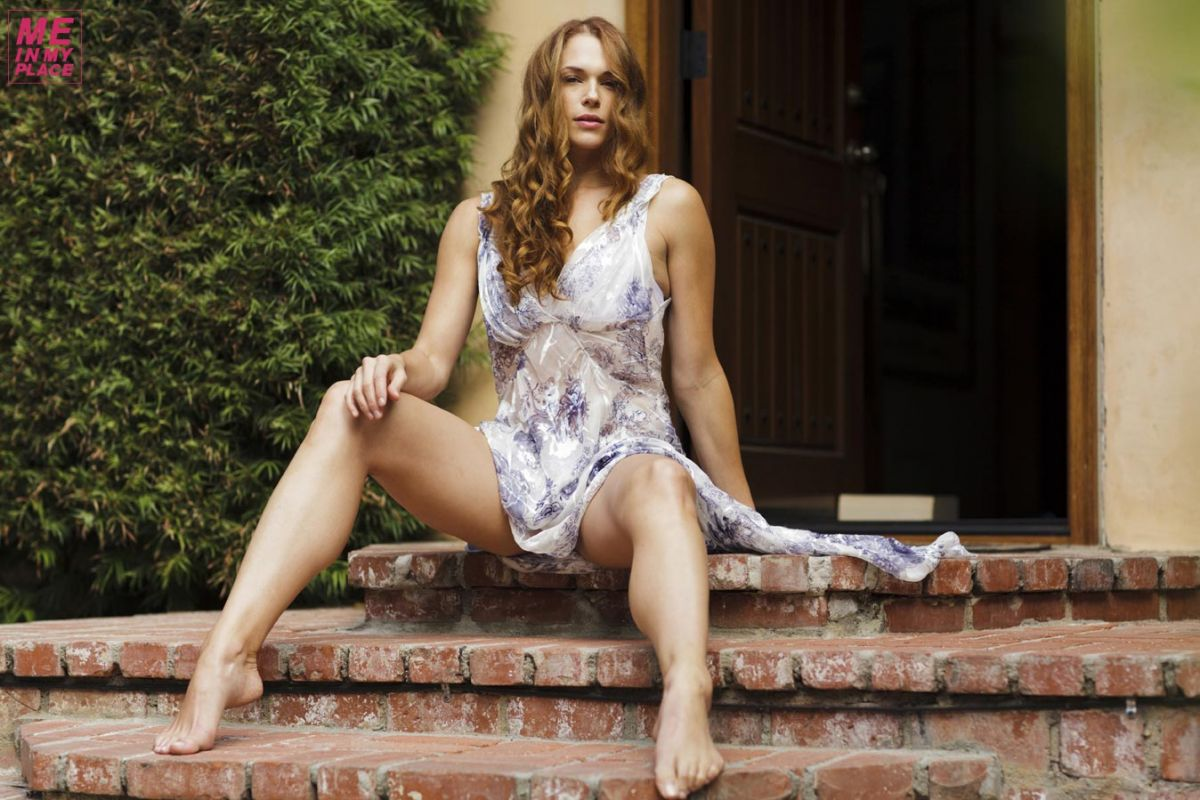 AMANDA RIGHETTI - Me in My Place Photoshoot - HawtCelebs ... Kim Kardashian Net Worth 2017