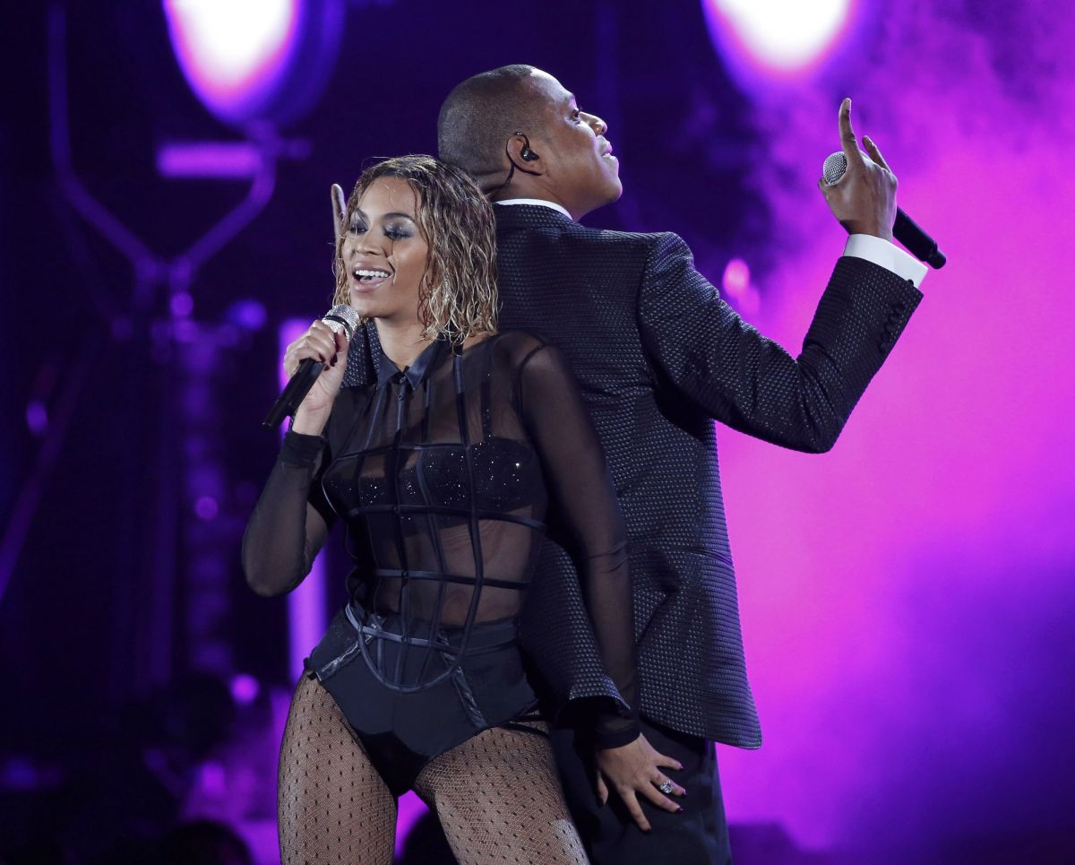 Beyonce Grammys: BEYONCE Performs At 2014 Grammy Awards In Los Angeles