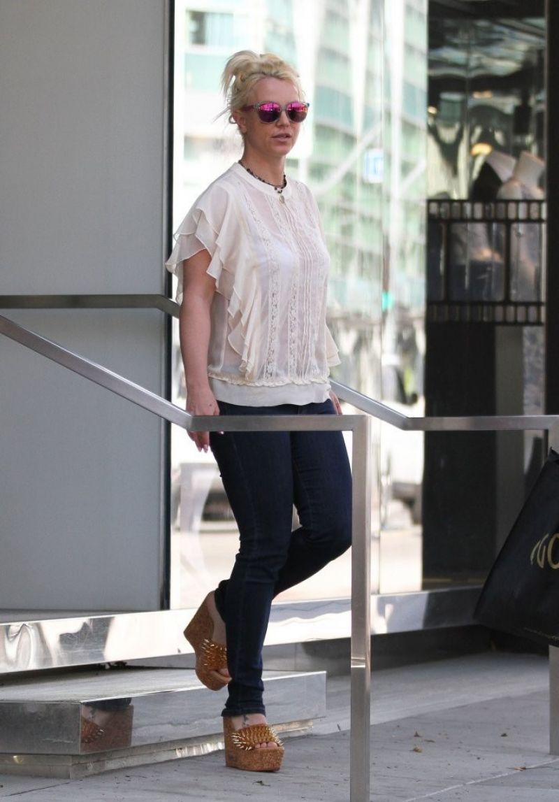 BRITNEY SPEARS Out Shopping in West Hollywood