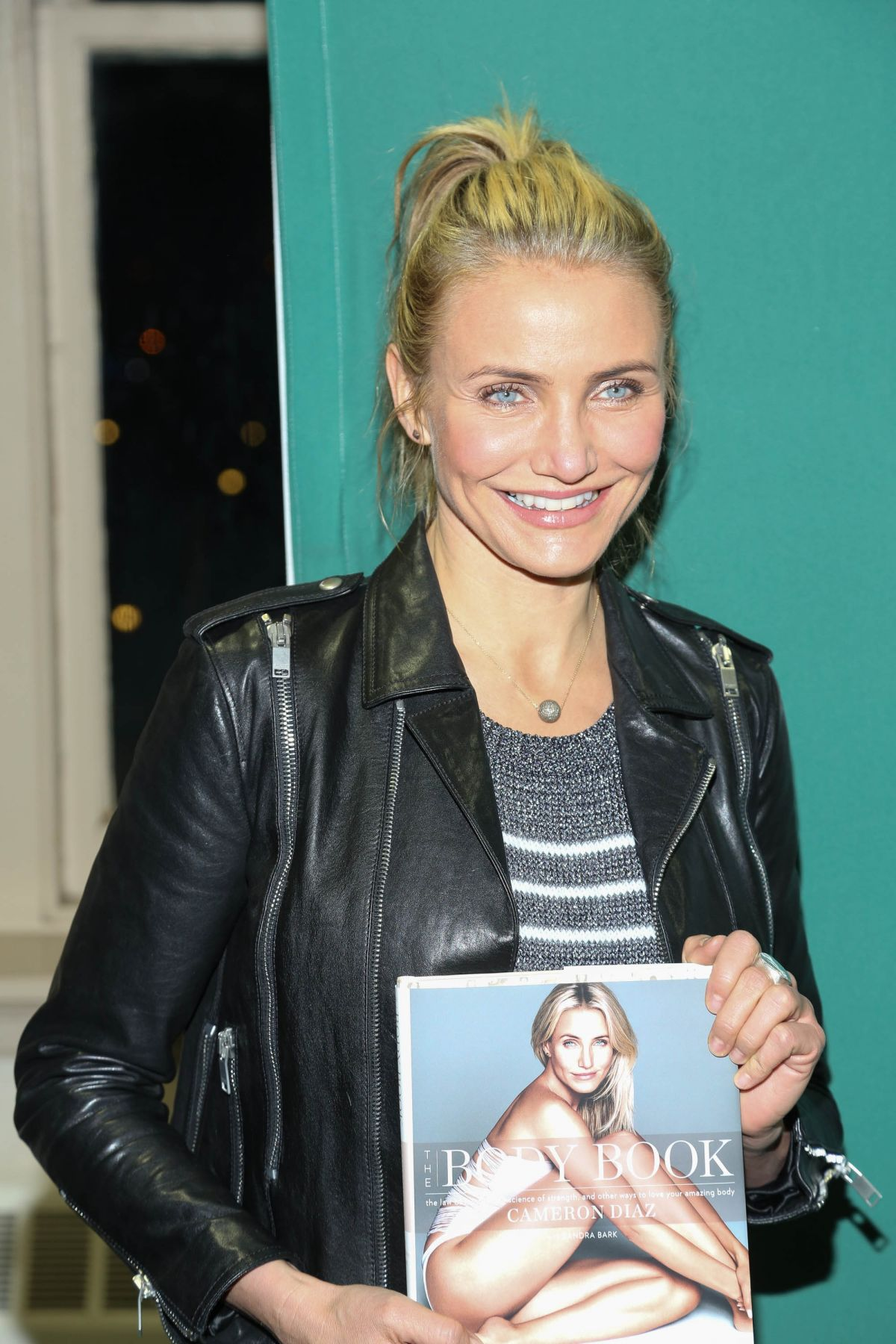 CAMERON DIAZ at The Body Book Signing in New york - HawtCelebs