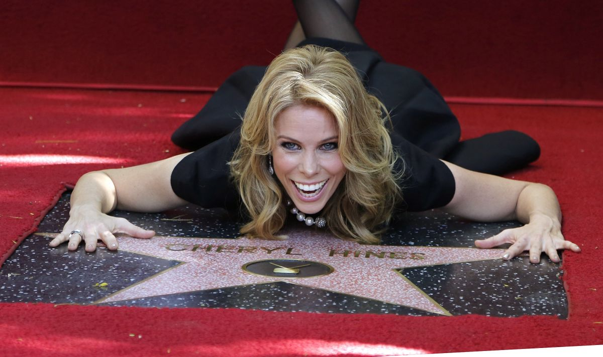 CHERYL HINES Gets Star on Hollywood Walk of Fame - HawtCelebs