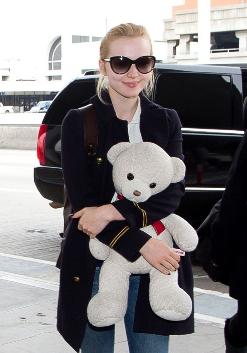 DOVE CAMERON at LAX Airport