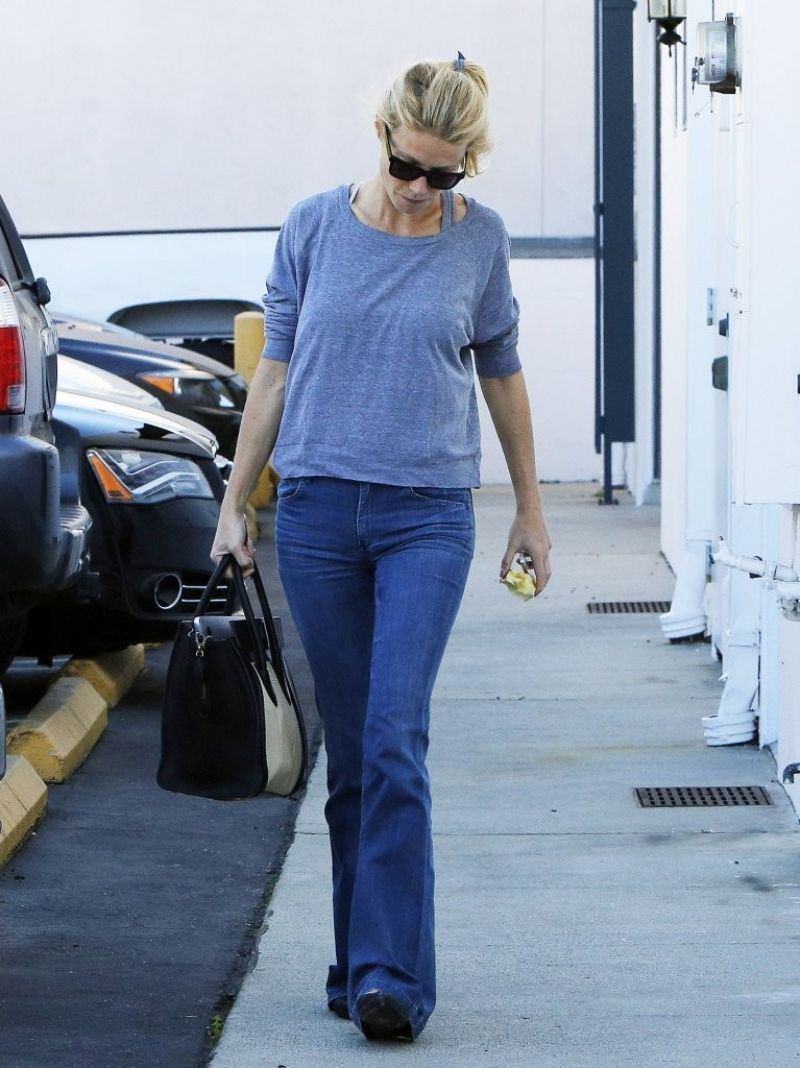 Gwyneth Paltrow In Jeans Out And About In Venice Hawtcelebs