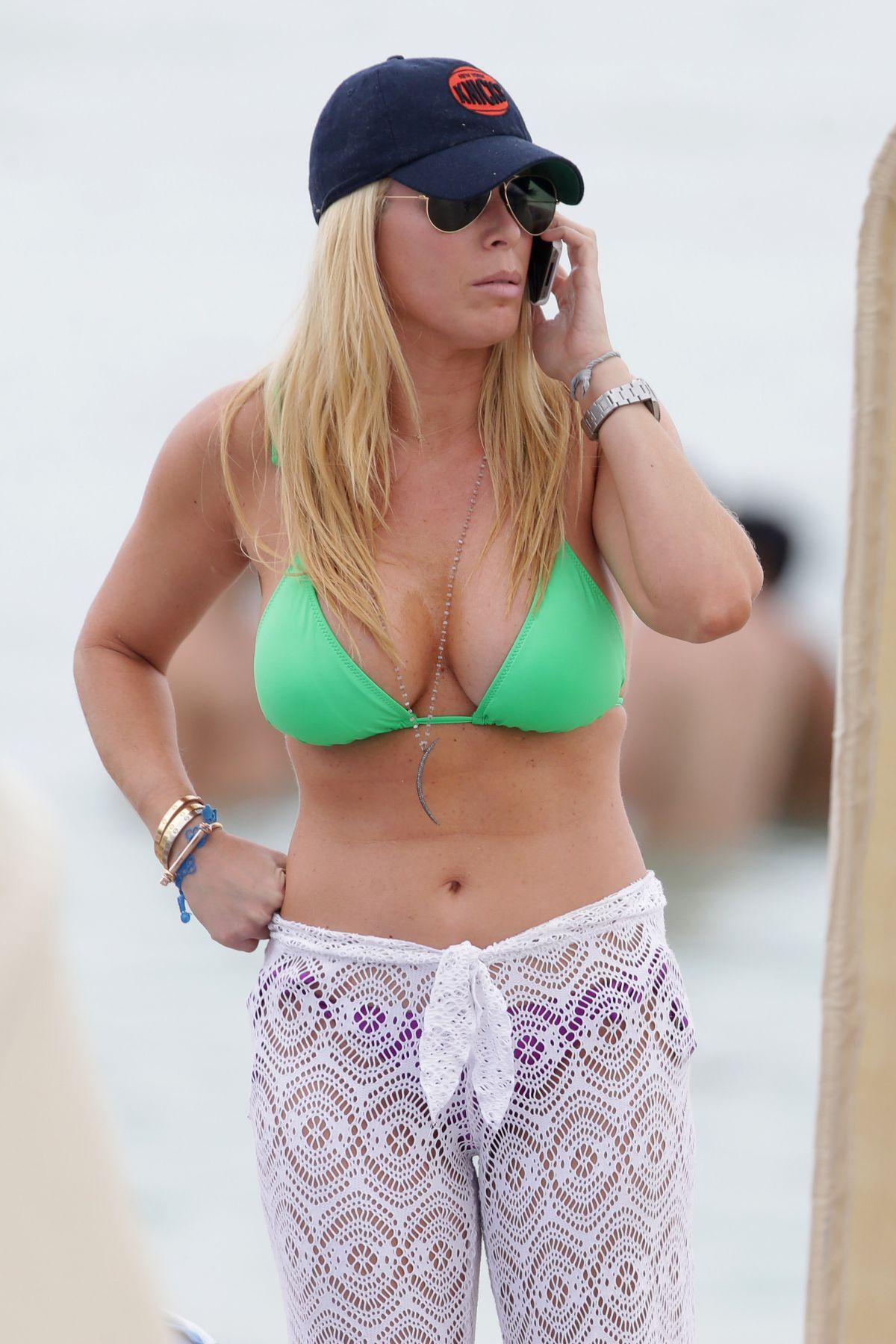 pictures Kellie martin bikini