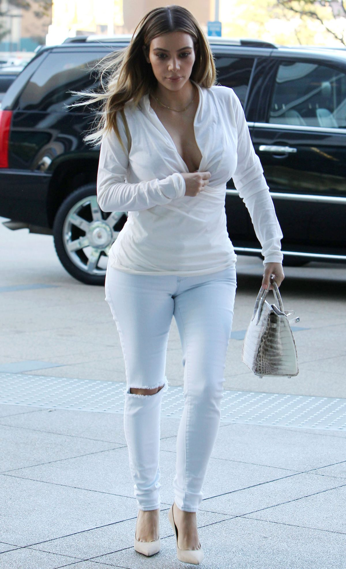 Kim Kardashian Out And About In Plaza Towers In Los Angeles Hawtcelebs