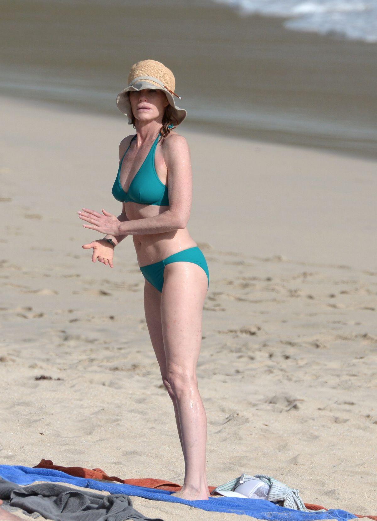 Marg Helgenbergr In Bikini At A Beach In St Barts