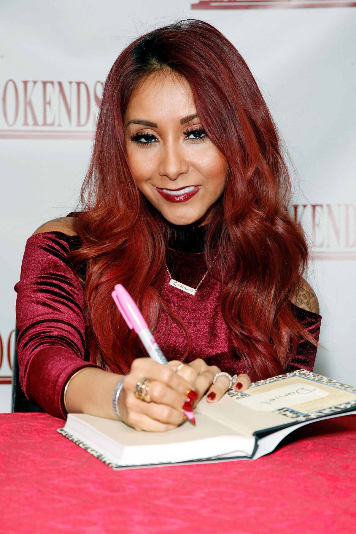 NICOLE SNOOKI POLIZZI Signing Copies of Her New Book in New Jersey