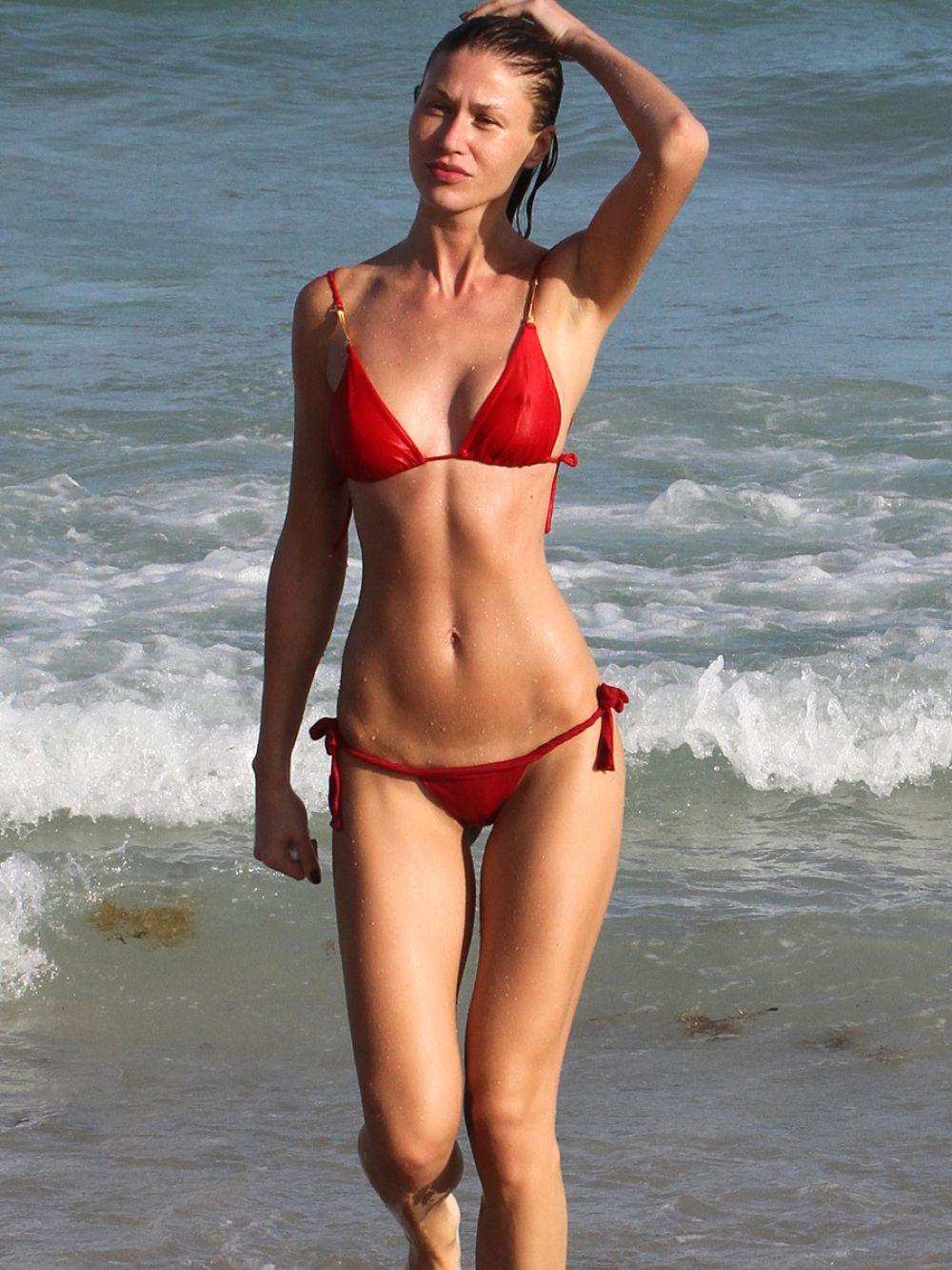 Tiny beach bikini girls