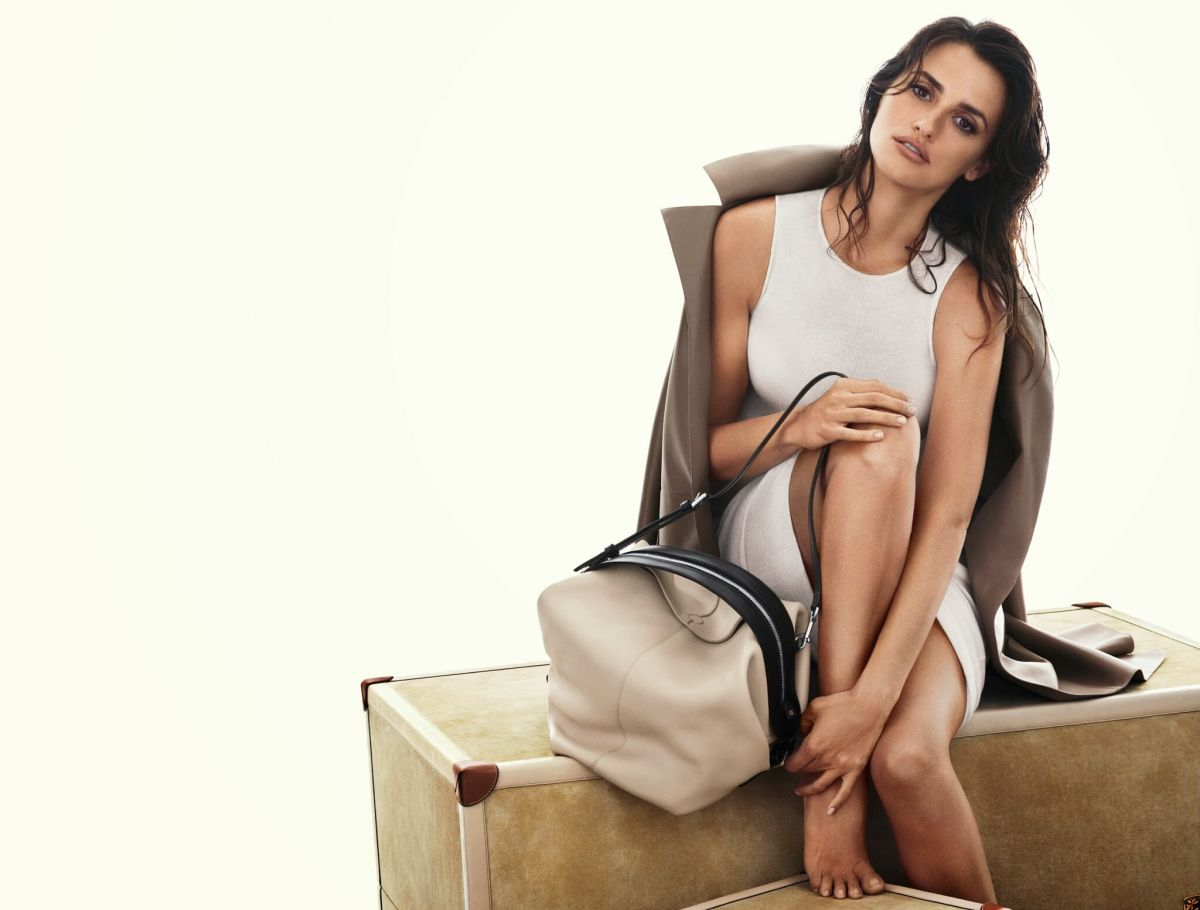 PENELOPE CRUZ - Loewe Spring/Summer 2014 by Mert Alas and Marcus Piggott