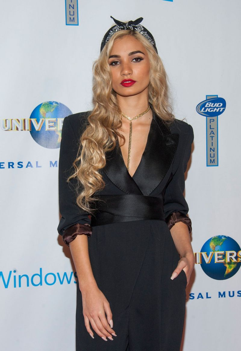 pia mia perez hot