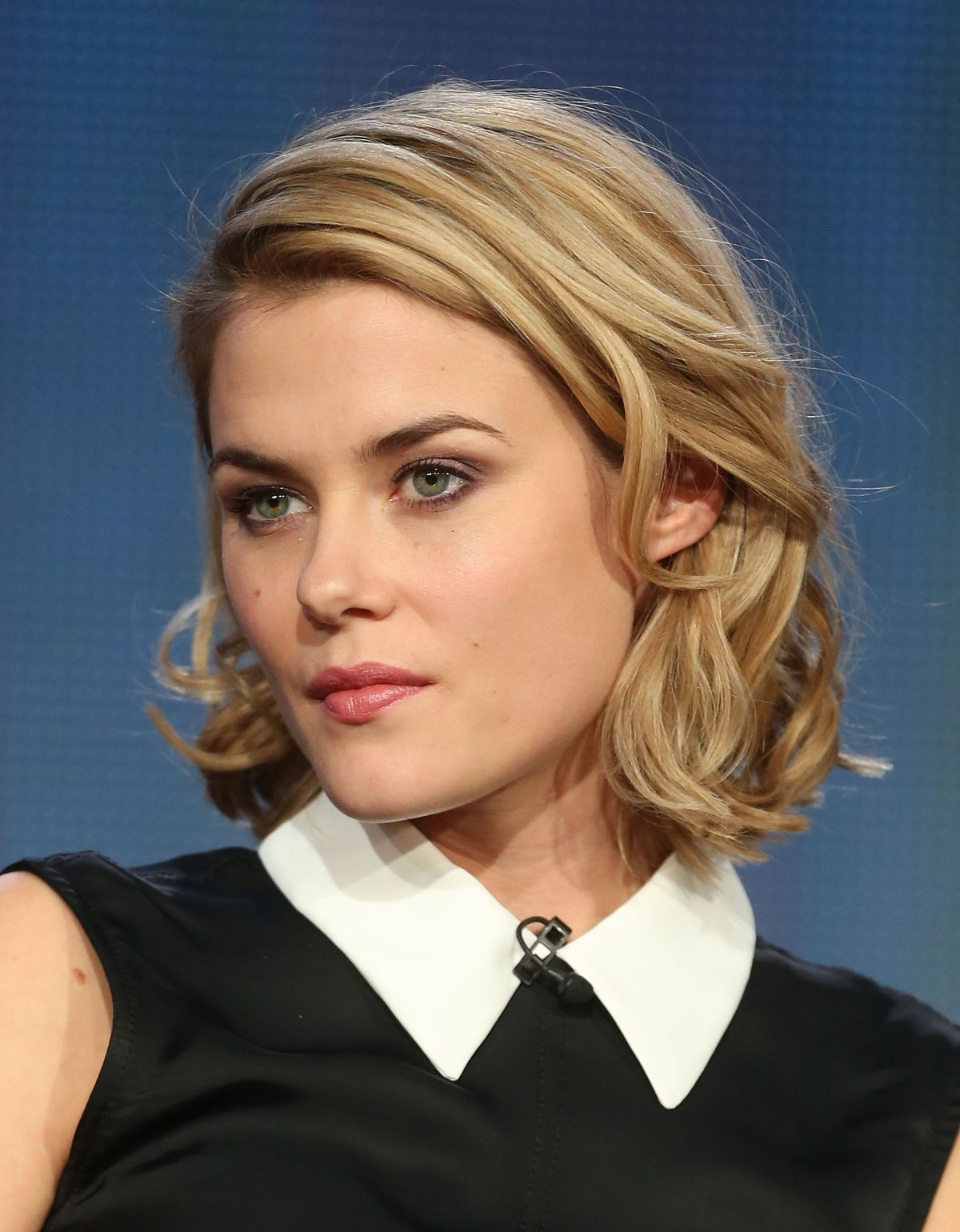 http://www.hawtcelebs.com/wp-content/uploads/2014/01/rachael-taylor-at-nbc-and-universal-2014-tca-winter-press-tour-in-pasadena_1.jpg