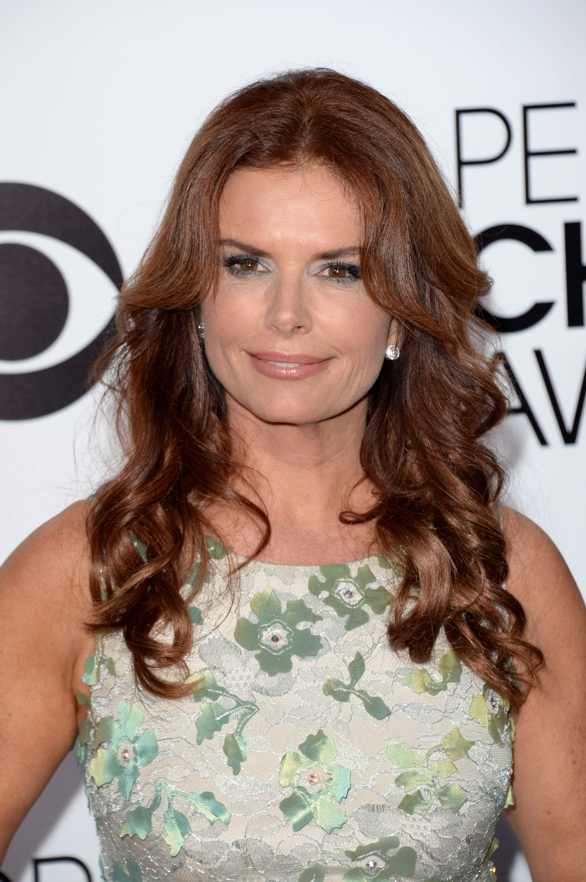 ROMA DOWNEY at 40th Annual People's Choice Awards in Los Angeles