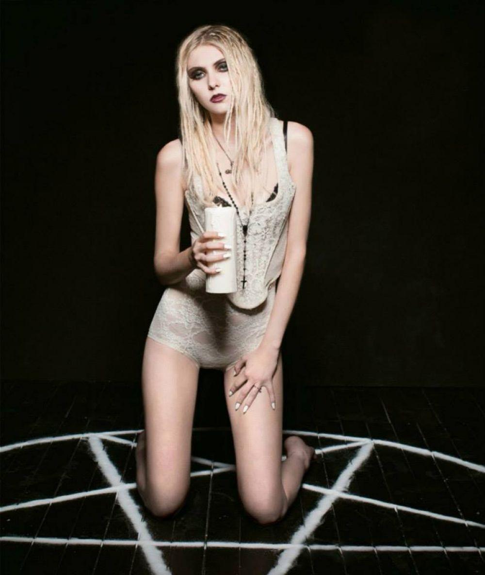 Jessica Tomico Nude Photos 13