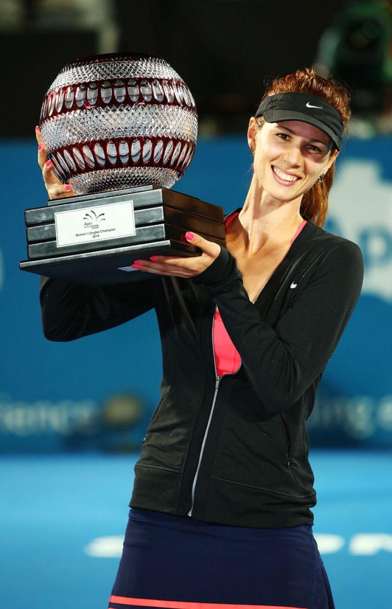 TSVETANA PIRONKOVA Wins 2014 Sydney International