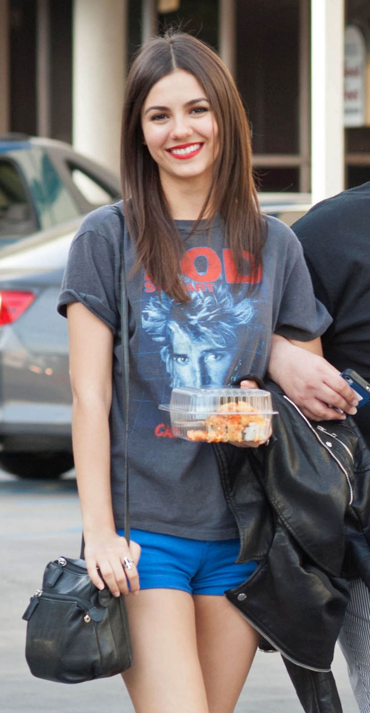 Victoria Justice In Short Shorts Hawtcelebs