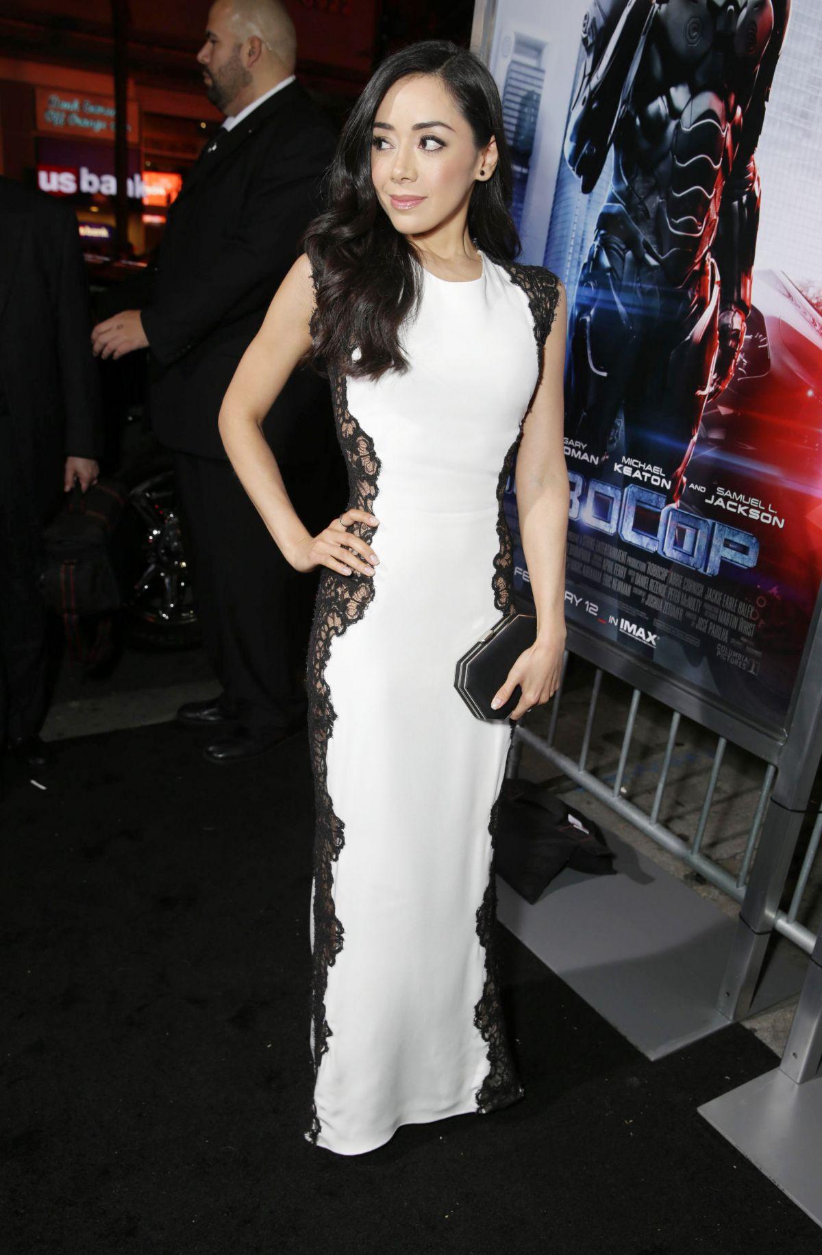 AIMEE GARCIA at Robocop Premiere in Los Angeles