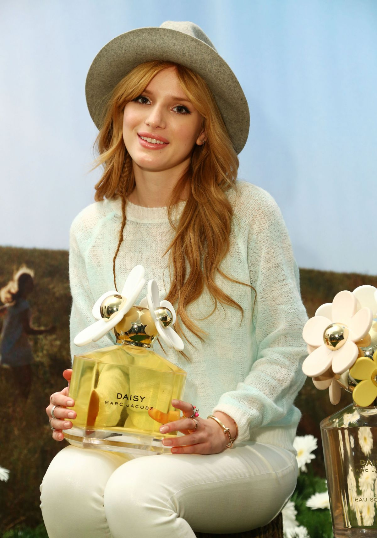 BELLA THORNE at Marc Jacobs Daisy Tweet Shop in New York