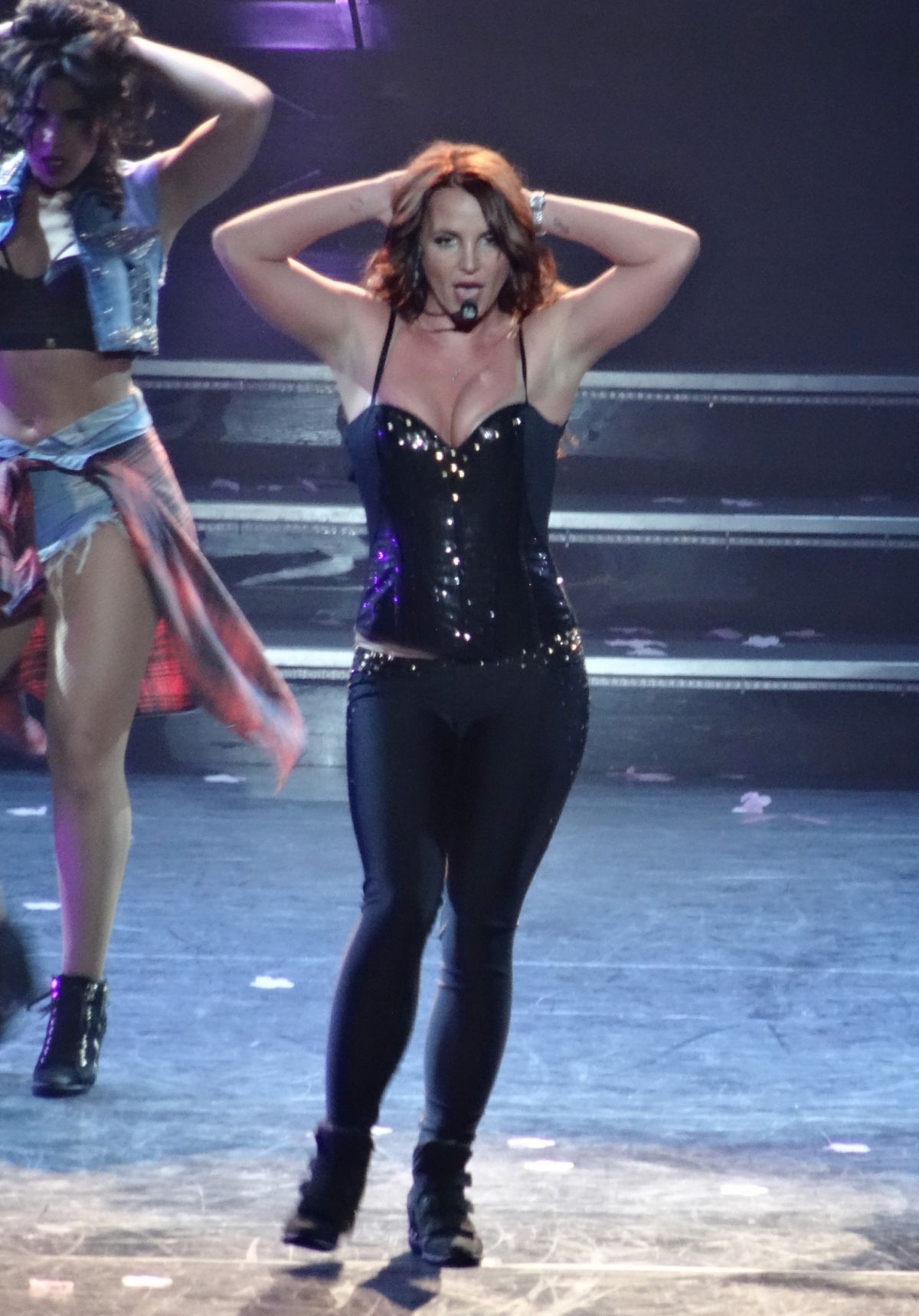 BRITNEY SPEARS Performs Live in Las Vegas - HawtCelebs ... Britney Spears Las Vegas