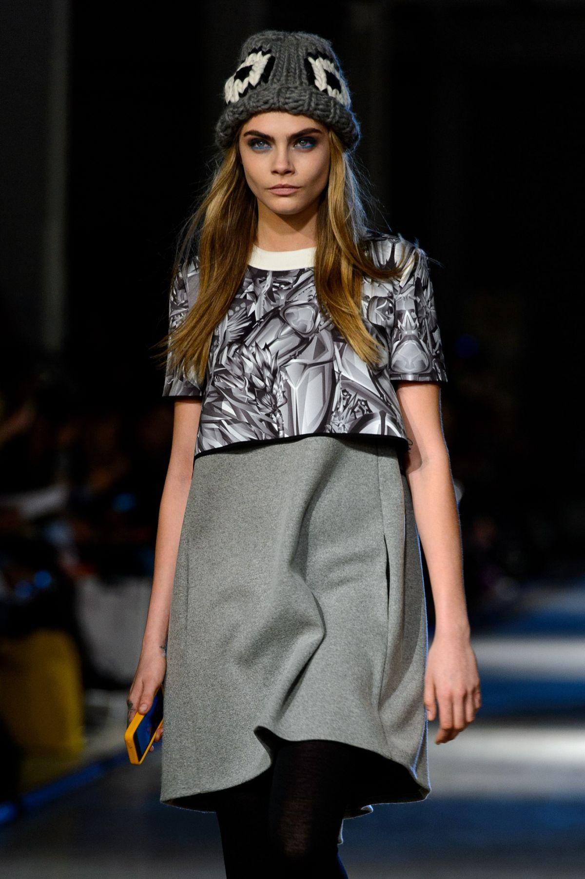 Cara Delevingne At Giles Fall Winter 2014 2015 Fashion Show Hawtcelebs Hawtcelebs