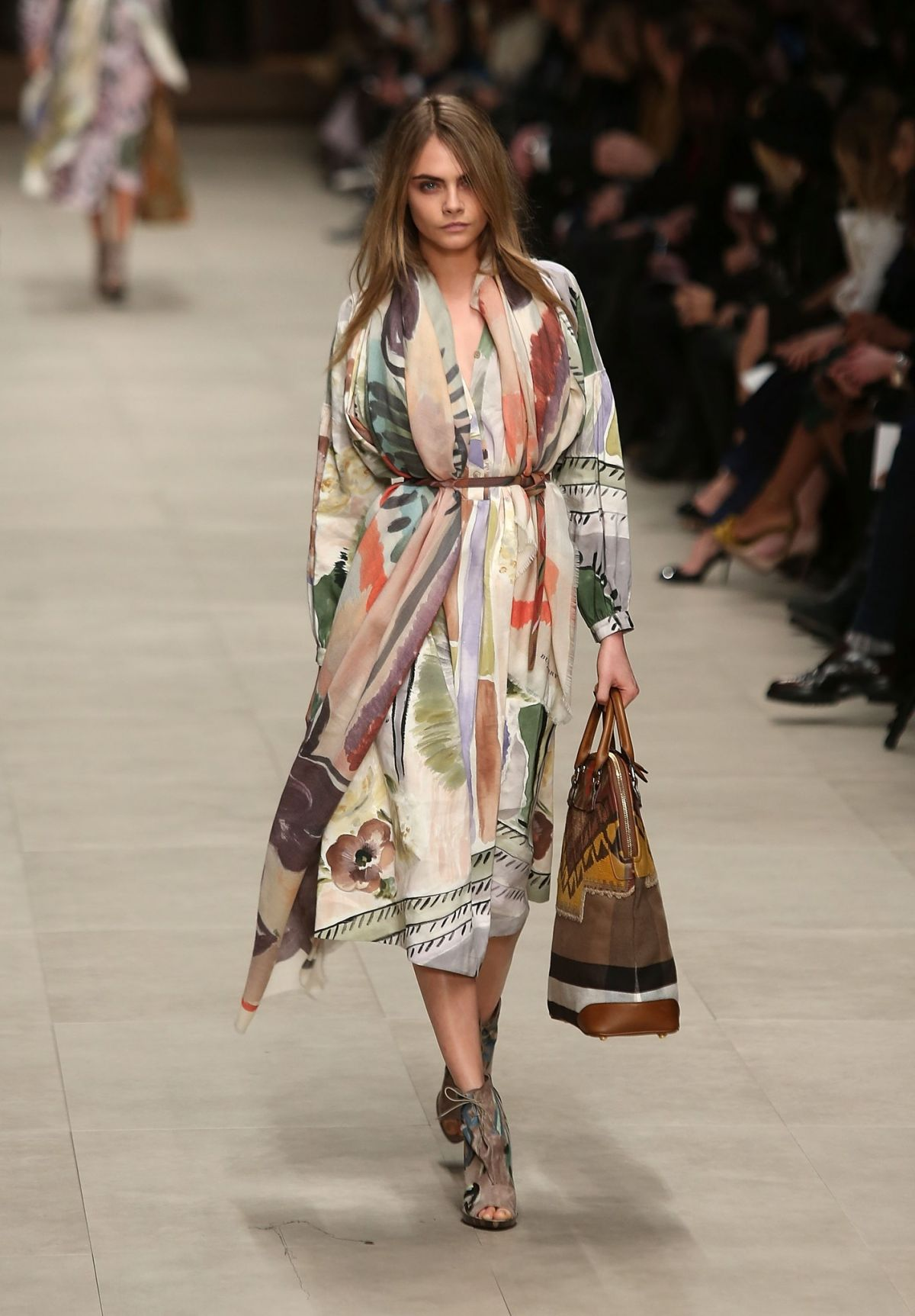 Cara delevingne on runways of burberry fall winter fashion show hawtcelebs - Burberry fashion show ...