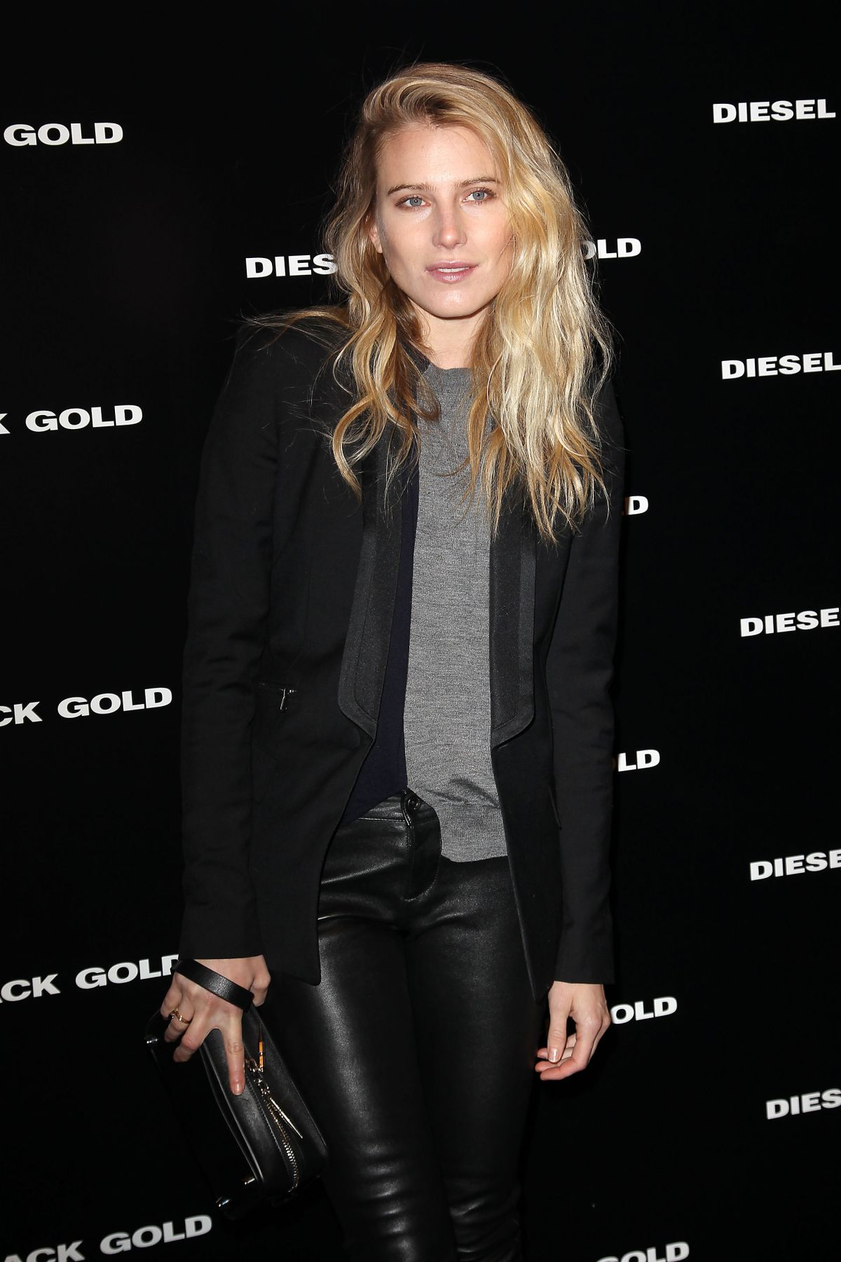 how tall is dree hemingway