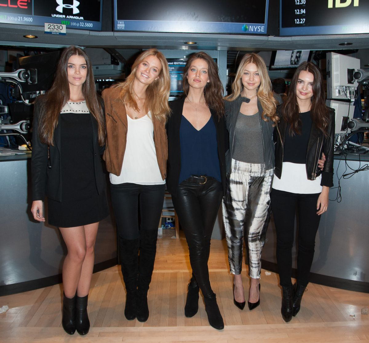 Petite Mademoiselle ✖ »Dess's Instagram« Emily-ratajkowski-gigi-hadid-kate-bock-natasha-barnard-and-emily-didonato-rings-the-closing-bell-at-the-new-york-stock-exchange_1