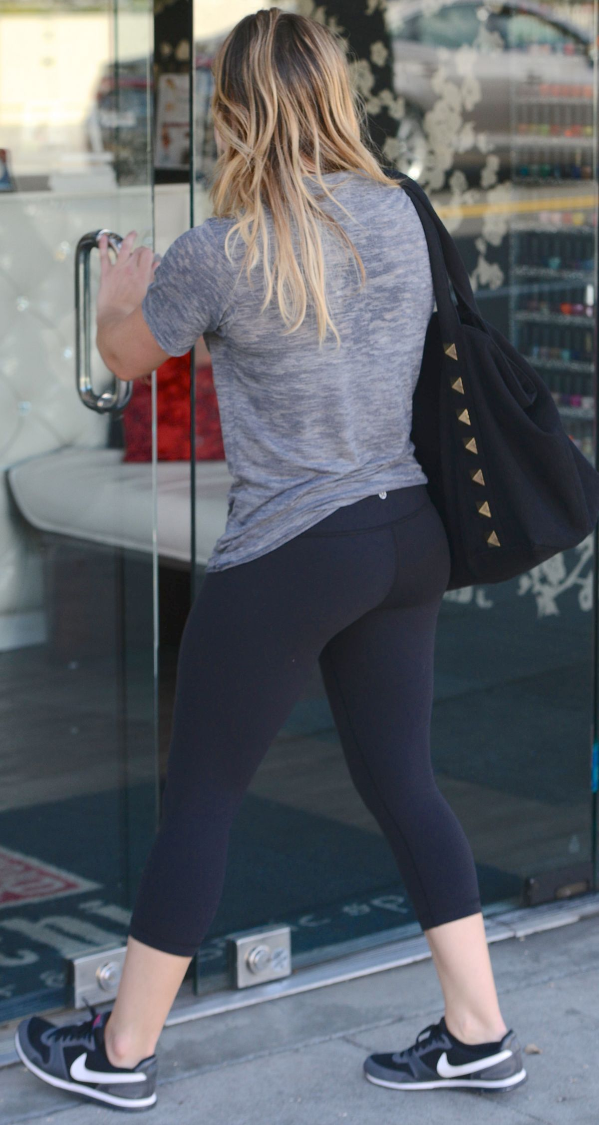 Hilary Duff In Leggings Out In Beverly Hills Hawtcelebs