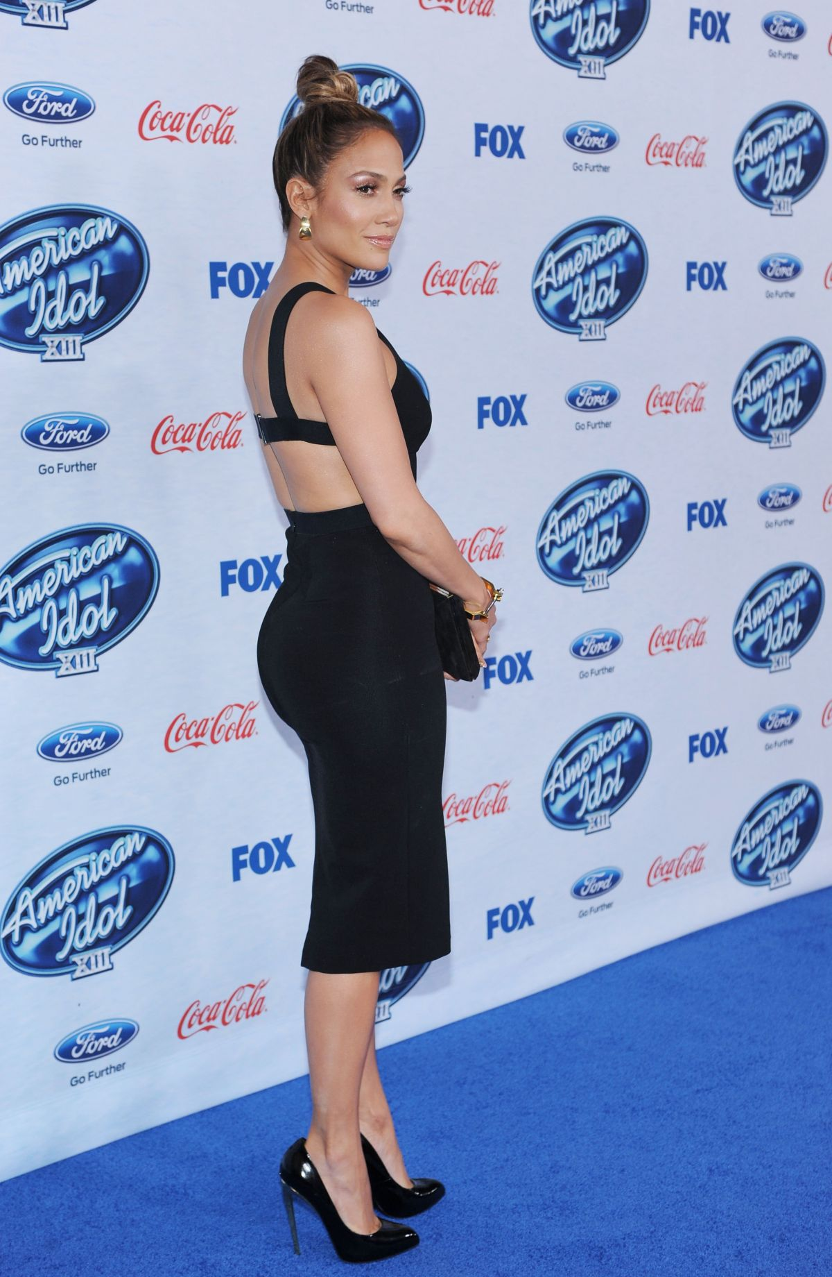 JENNIFER LOPEZ at American Idol Finalists Party in West Hollywood