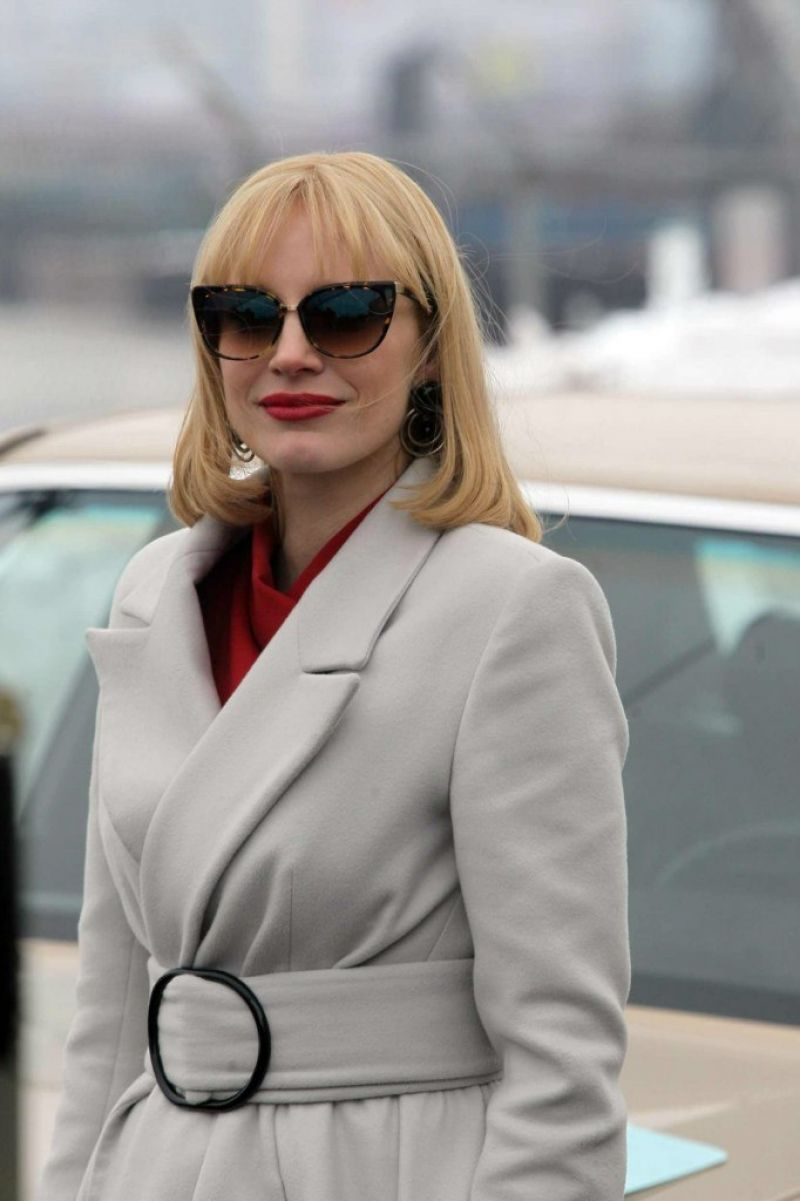 http://www.hawtcelebs.com/wp-content/uploads/2014/02/jessica-chastain-on-the-set-of-a-most-violent-year-in-new-york_1.jpg