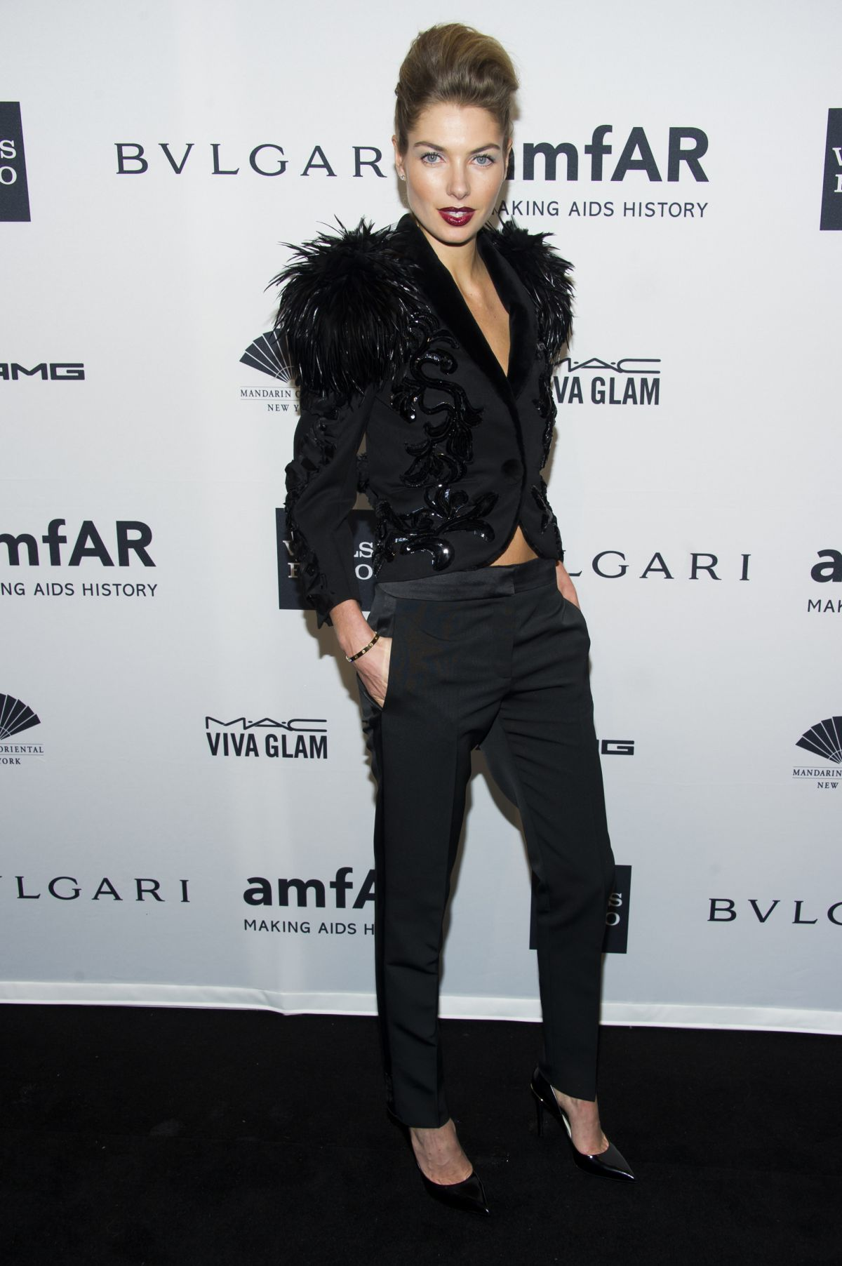 JESSICA HART at 2014 AMFAR Gala in New York