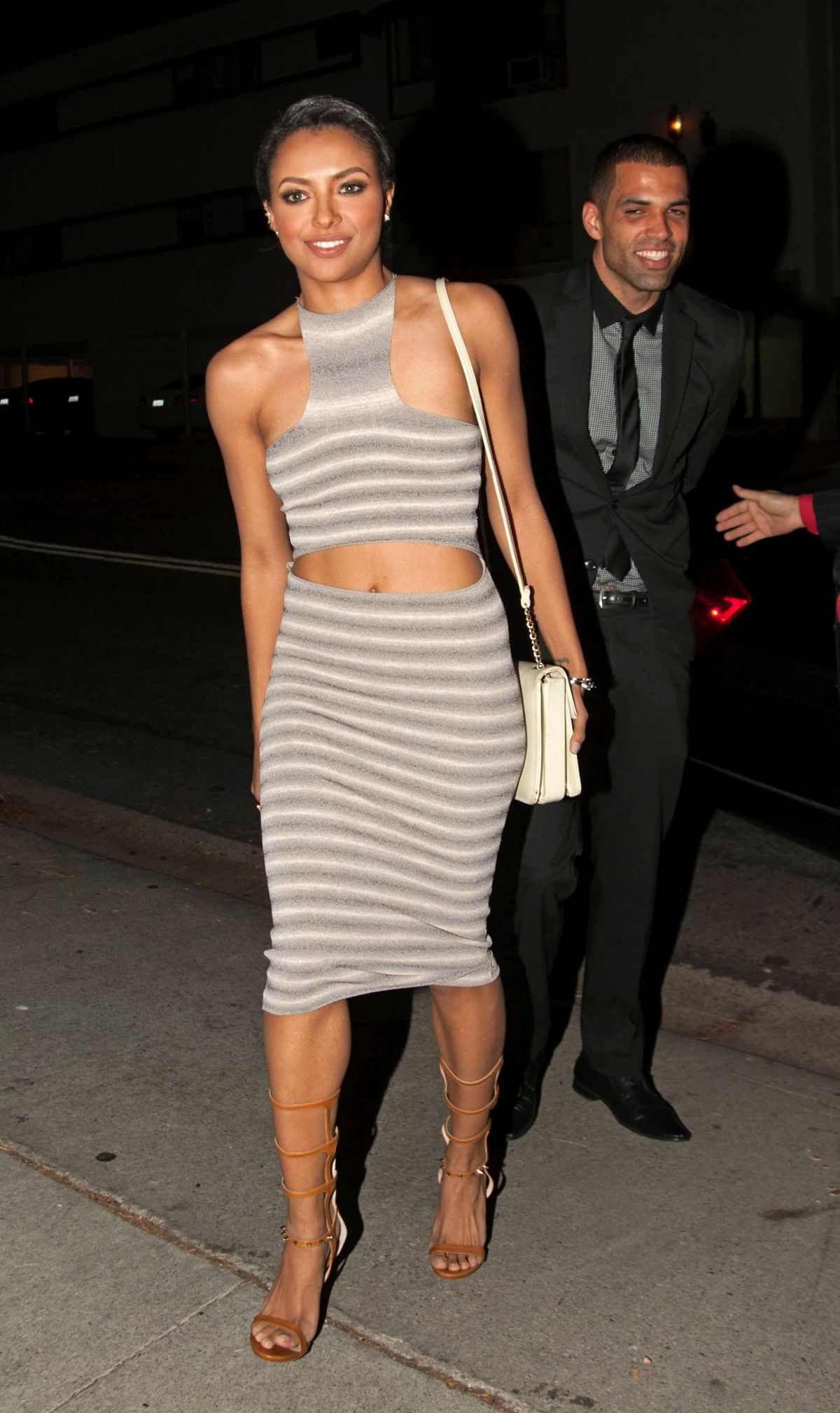 KAT GRAHAM and Cottrell Guidry Out for Dinner - HawtCelebs