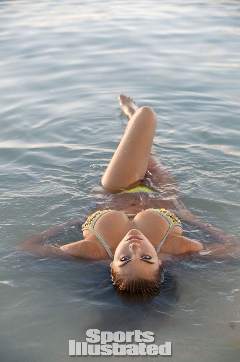 Pics photos kate upton 2014 sports illustrated swimsuit issue