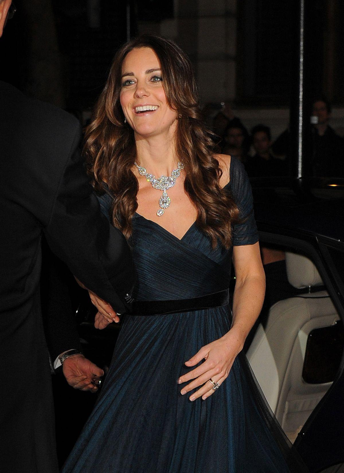 kate middleton at portrait gala 2014 in london hawtcelebs